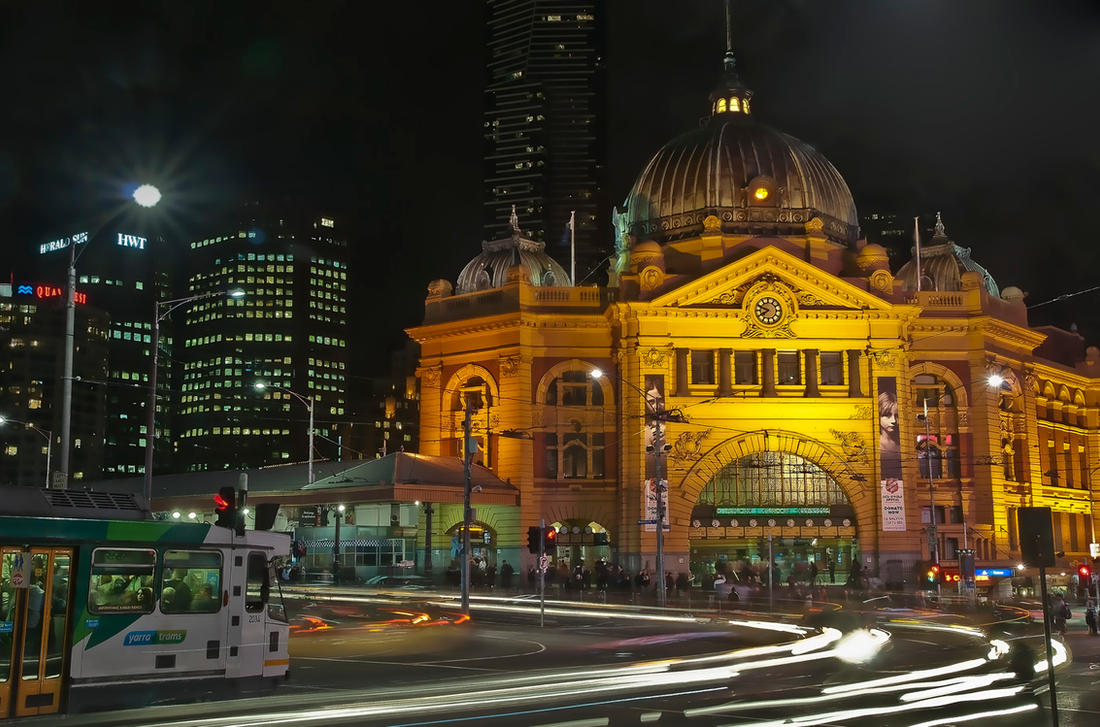 Flinders St Station by djzontheball