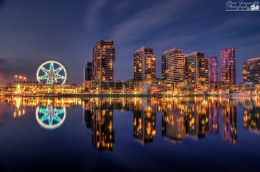 Southern Star (Melbourne's Observation Wheel) by djzontheball