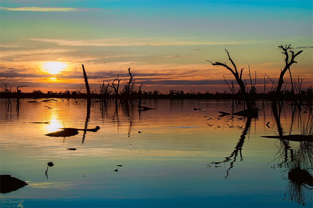 Kyffens Sunset At Lake Mulwala by djzontheball
