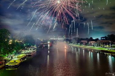 Fireworks In Melbourne by djzontheball