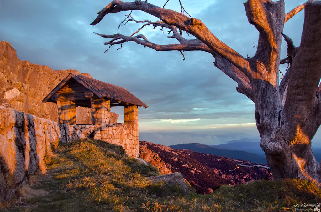 Sunset at the top of Mt Buffalo (The Horn) by djzontheball