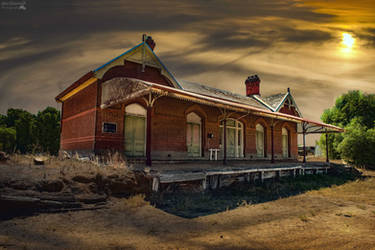 Abandoned Railway Station (Rupanyup) by djzontheball