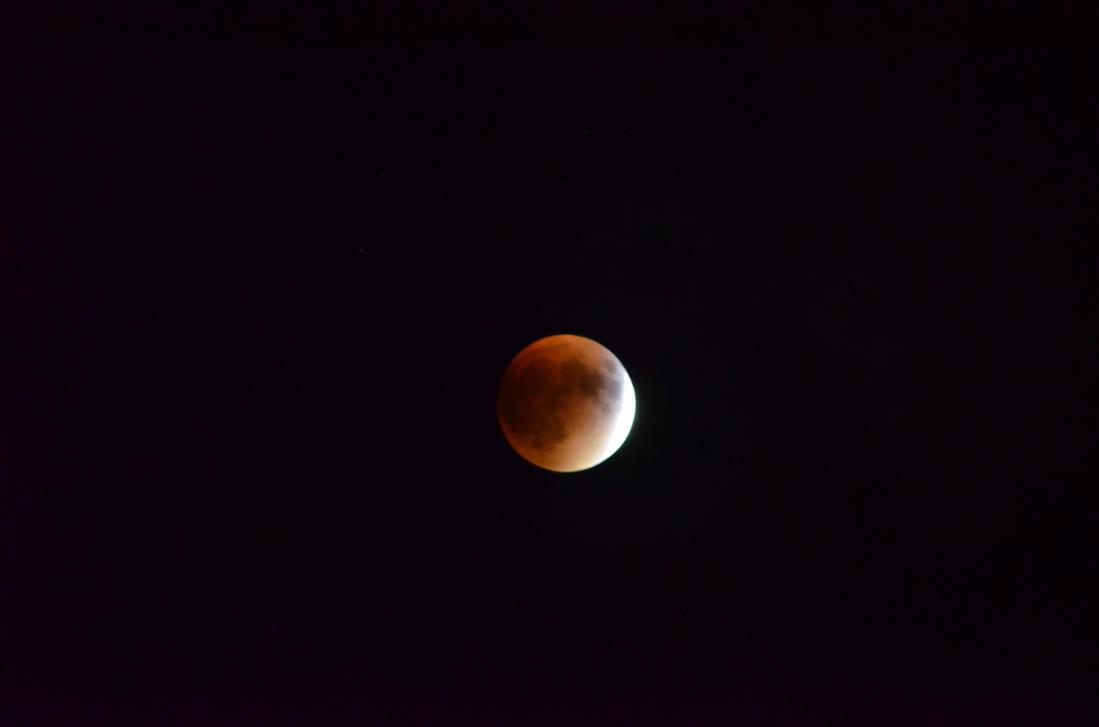 Lunar Eclipse by SnuffBomb
