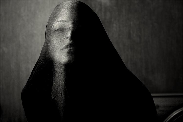 Profil en Face by Orzz