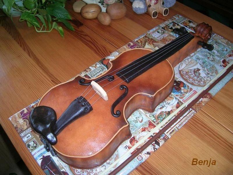 Violin Birthday Cake Photos