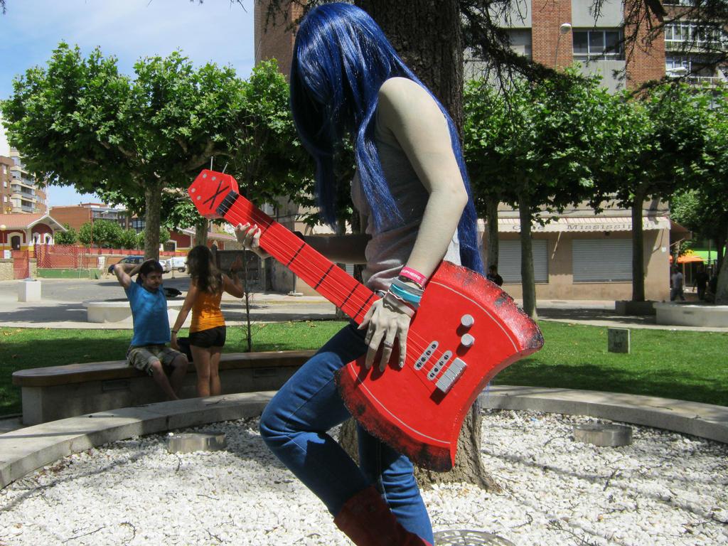 Playing something. by YukinaZomelster