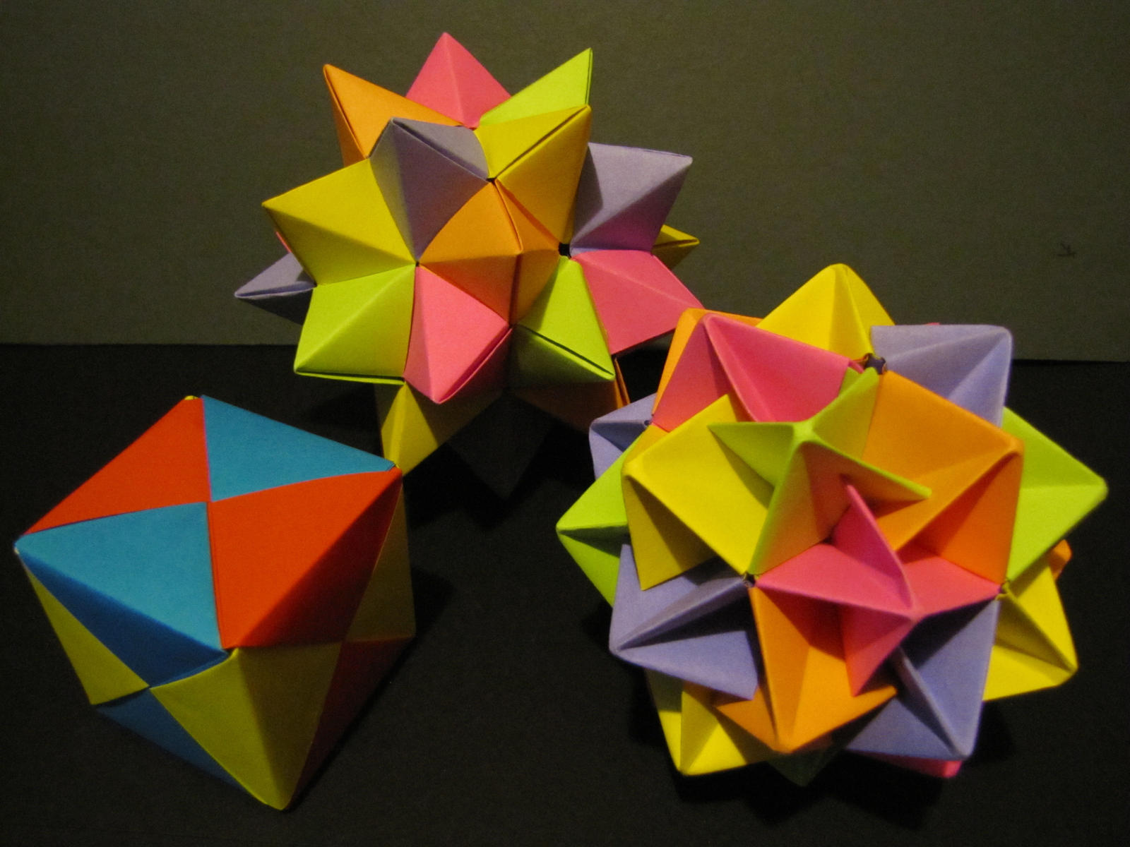 Modular Origami: How to Make a Truncated Icosahedron, Pentakis ... | 1200x1600