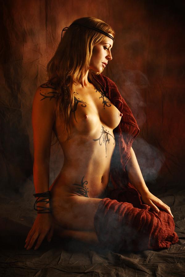 голые девушки арт фото