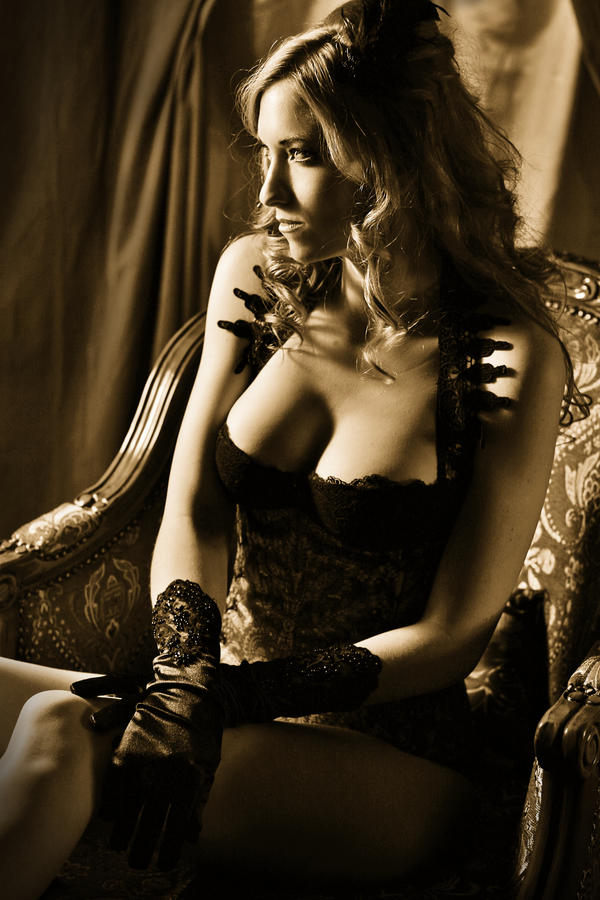 sepia boudoir by gestiefeltekatze