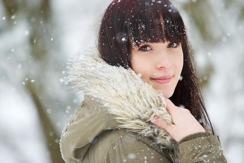 Snowy portrait of a young beauty by gestiefeltekatze