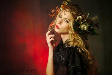 Queen of the dark fairies by gestiefeltekatze