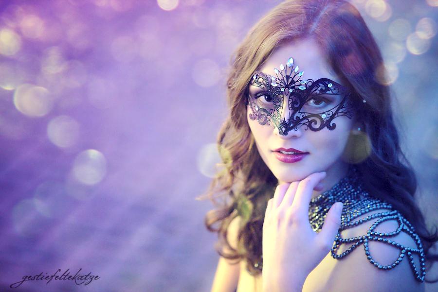 Midnight's Masquerade by gestiefeltekatze