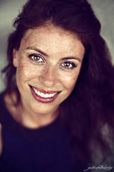 Viviana: Natural Freckled Beauty