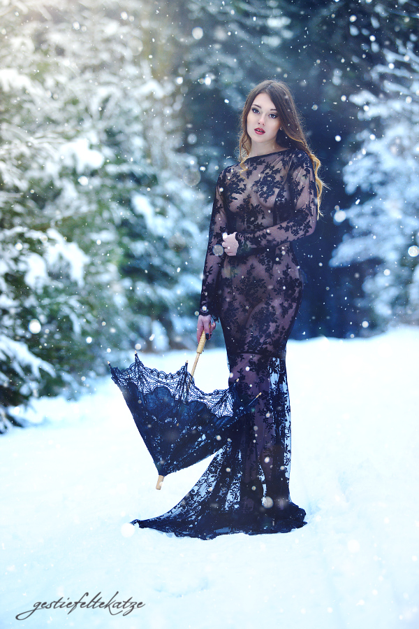 Lace and Snow by gestiefeltekatze