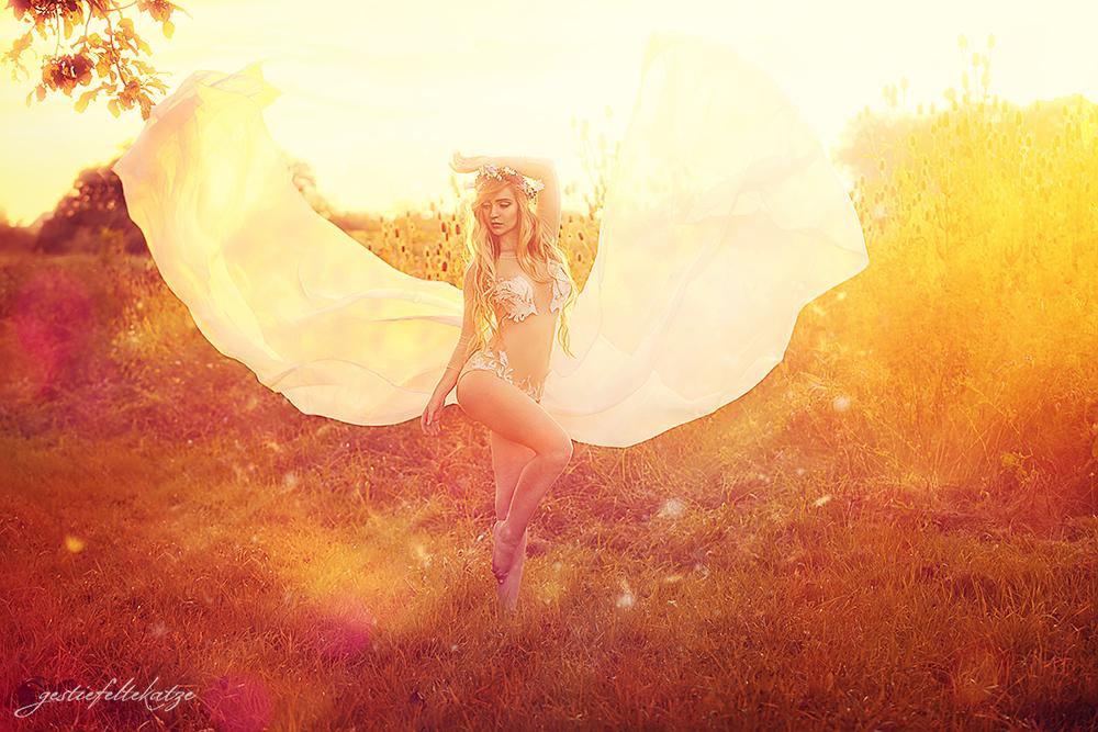 Midsummer's Fairy by gestiefeltekatze