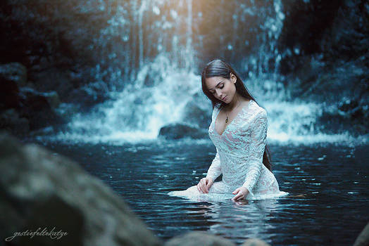 At the waterfall with Ivana