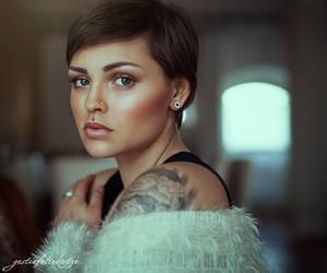 Alina portrait by gestiefeltekatze