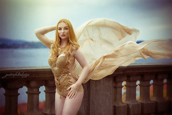 Anna with golden wings