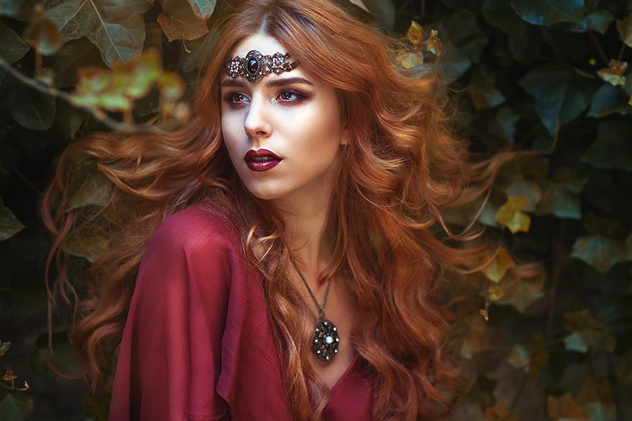 Kassandra, a little darker by gestiefeltekatze