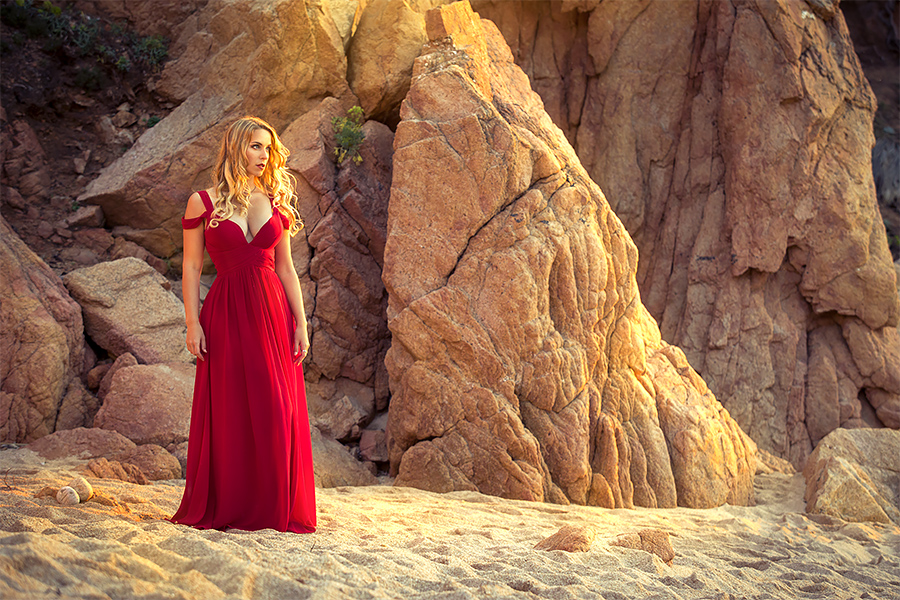 Warm colours of Sardinia (me modeling) by gestiefeltekatze