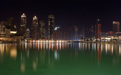 Dubai At Night (Fountain) by skywalkerdesign