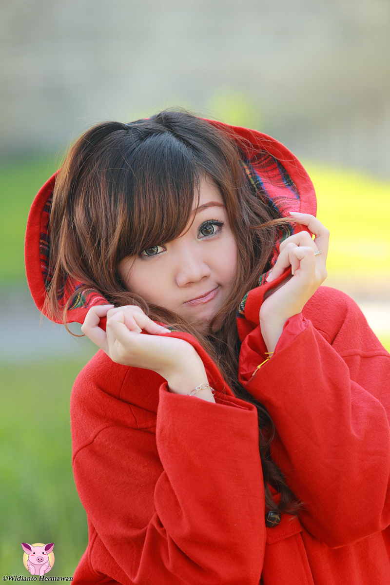 Velina : In Red Coat by Zansara
