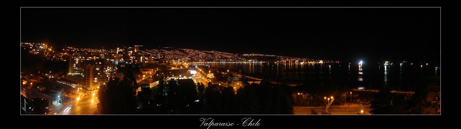 Valparaiso_Chile__by_Minaya.jpg