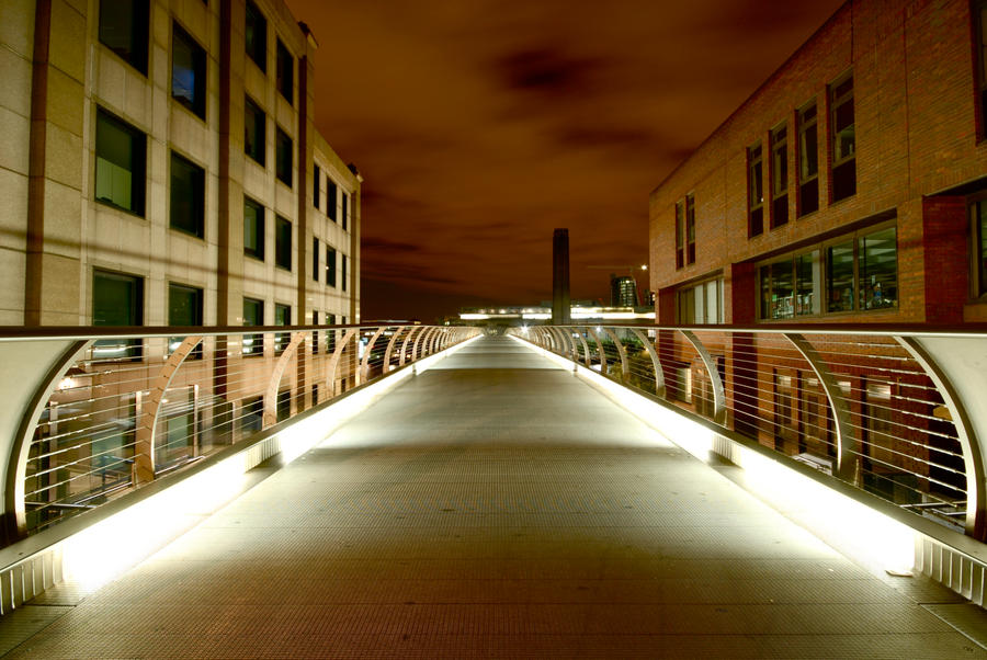 Millenium Bridge by Vito-Hunter