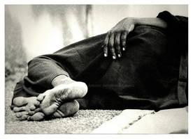 sidewalk rest by Kanzo