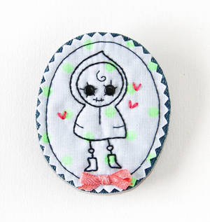 Fabric Cameo Brooch: Lola in Love