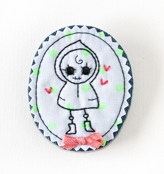 Fabric Cameo Brooch: Lola in Love by fio