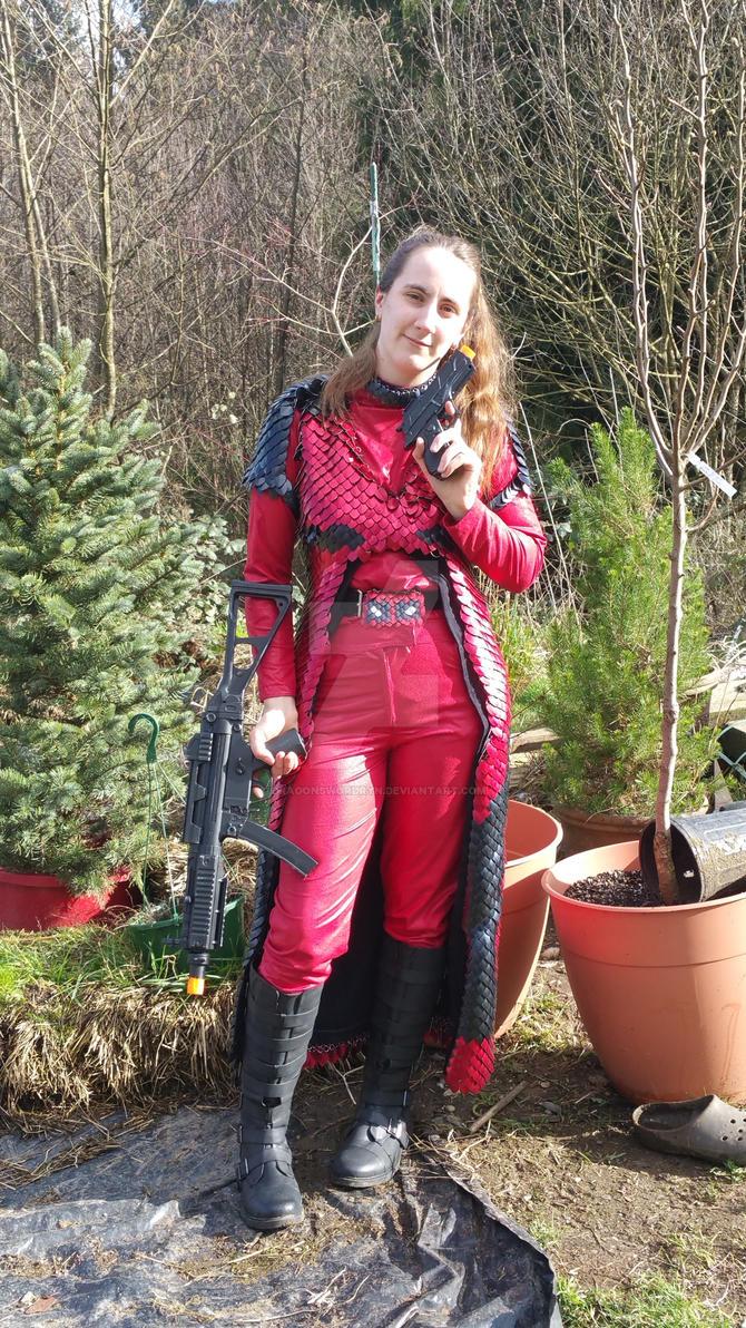 Lady Deadpool 2016 by DragonswordRyn
