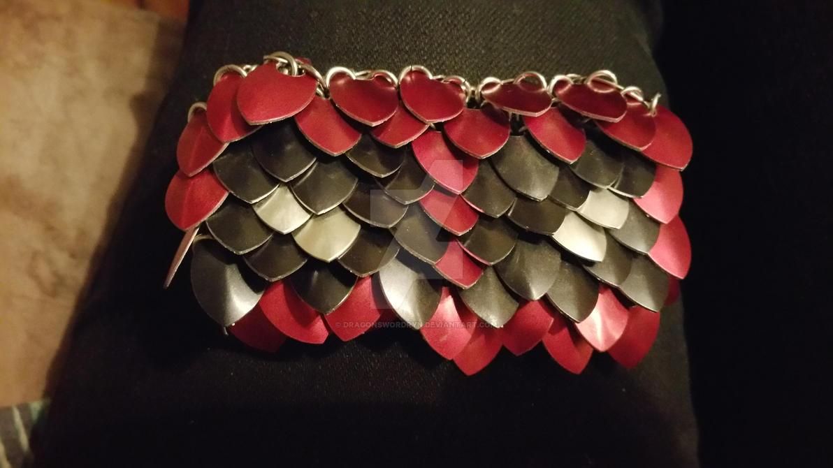 belt buckle by DragonswordRyn