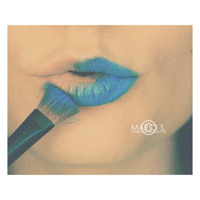 Blue lips. by xxkiriku