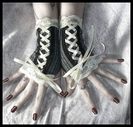 Victorian Fingerless Gloves by ZenAndCoffee