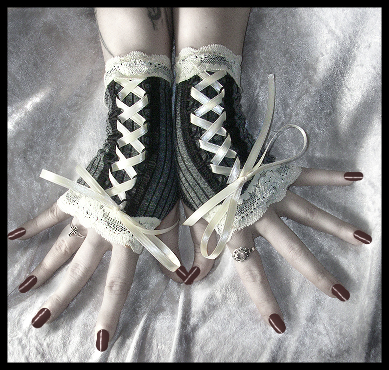 Victorian Fingerless Gloves by ZenAndCoffee