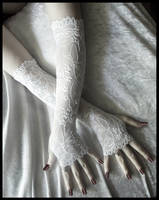 White Lace Arm Warmers