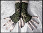 Aibreann Lace Fingerless Gloves