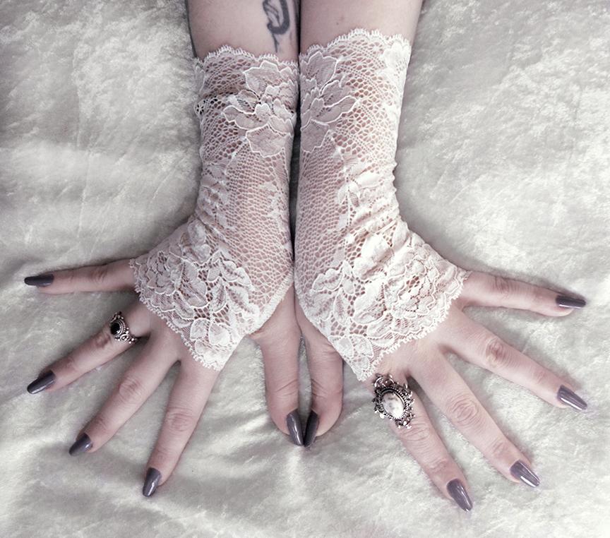 Nephele Long Lace Fingerless Gloves