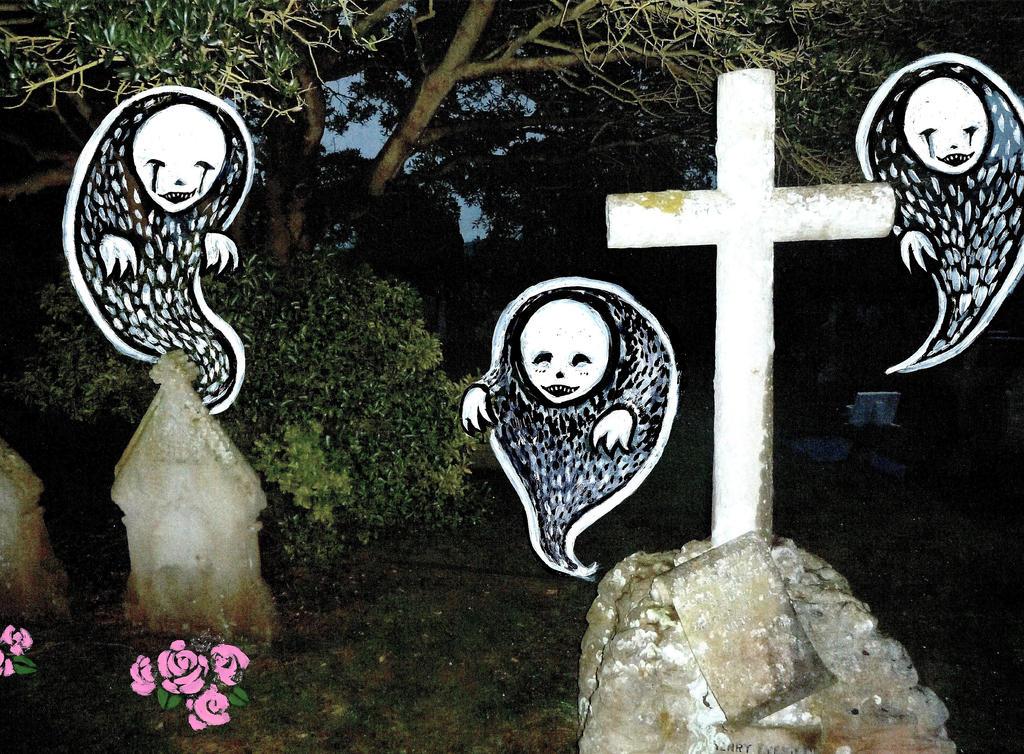 Graveyard Ghosts by RowanF