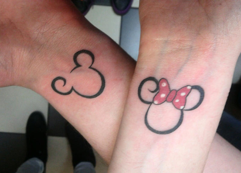 mickey mouse y minnie bebes tattoo. Black Bedroom Furniture Sets. Home Design Ideas