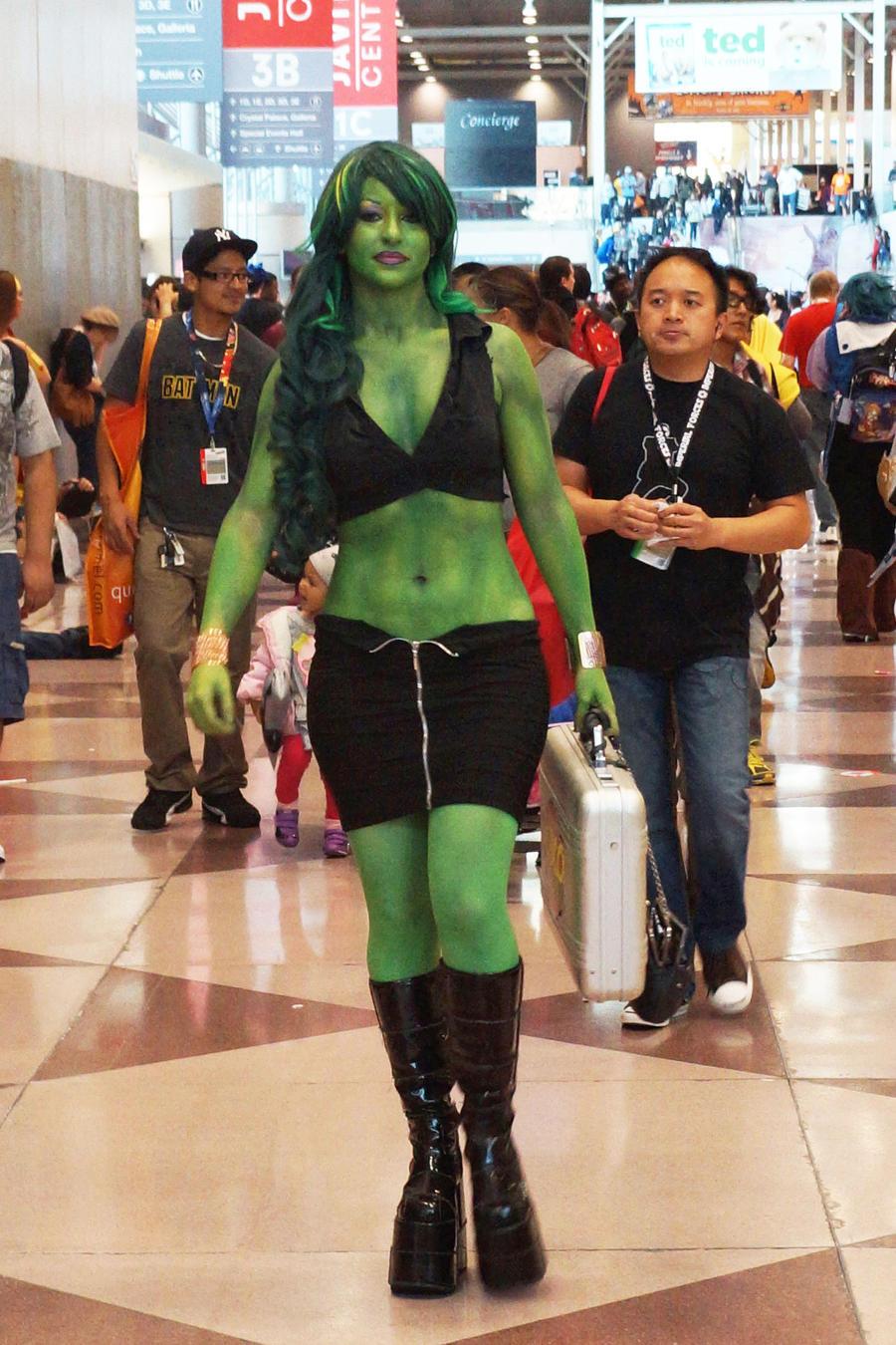 nycc_2012____she_hulk_1_by_kamau123-d5jz