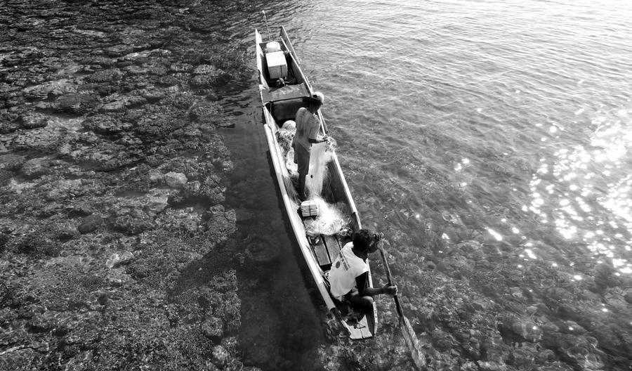 traditional fisherman by lamanepa