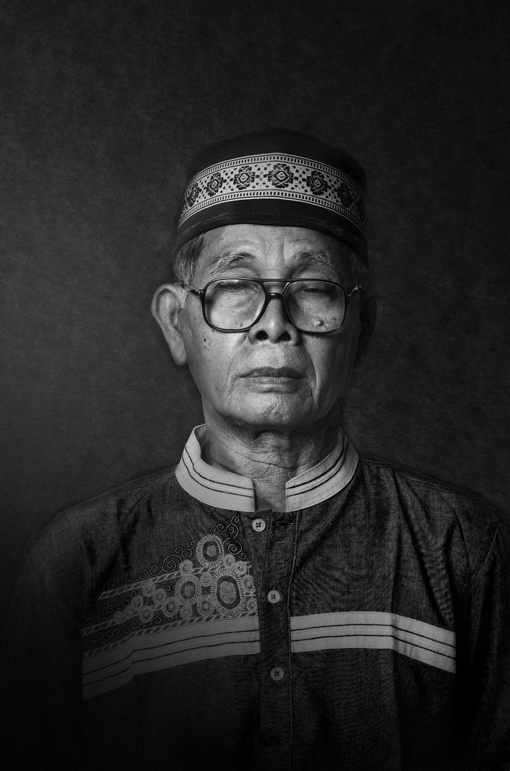 kakek-BW by lamanepa