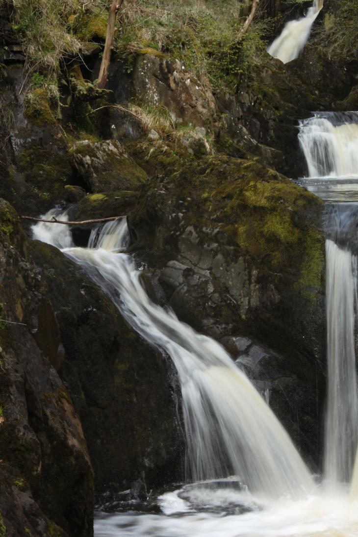 Ingleton Falls 90 by Tasastock