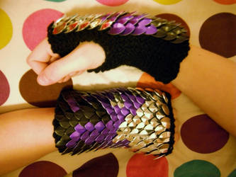 Purple Flame Knitted Scaly Gloves by CraftyMutt