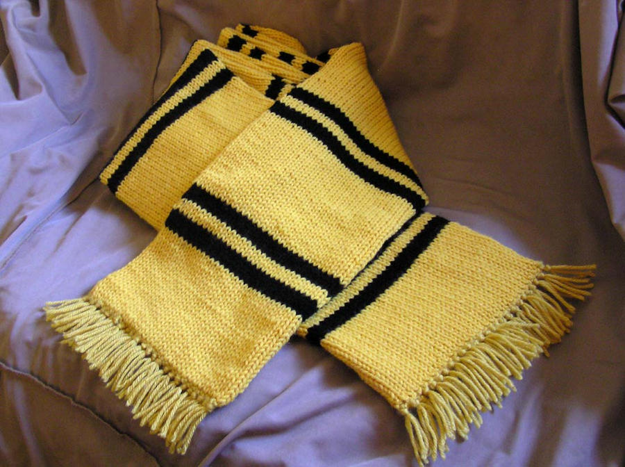Knitting Pattern For Gryffindor Scarf : Hufflepuff Scarf by lavadragon on DeviantArt