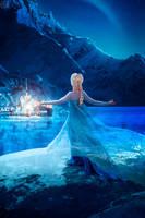 Queen Elsa of Arendelle by Sapphire-Melles