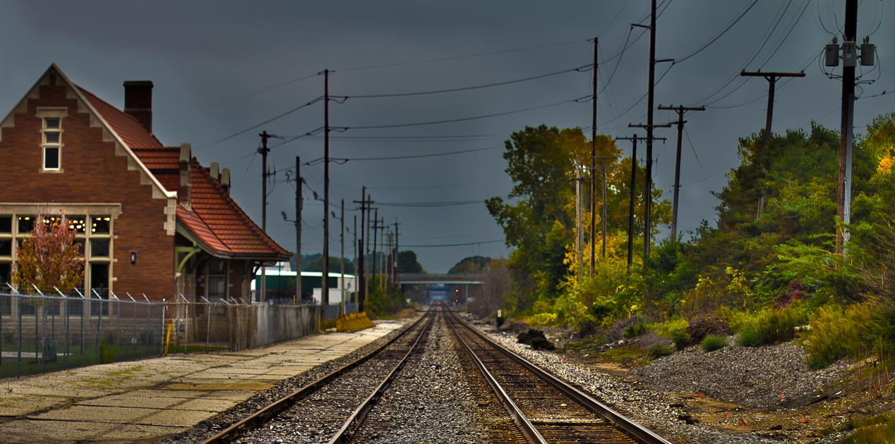 REO Train Tracks by quetwo