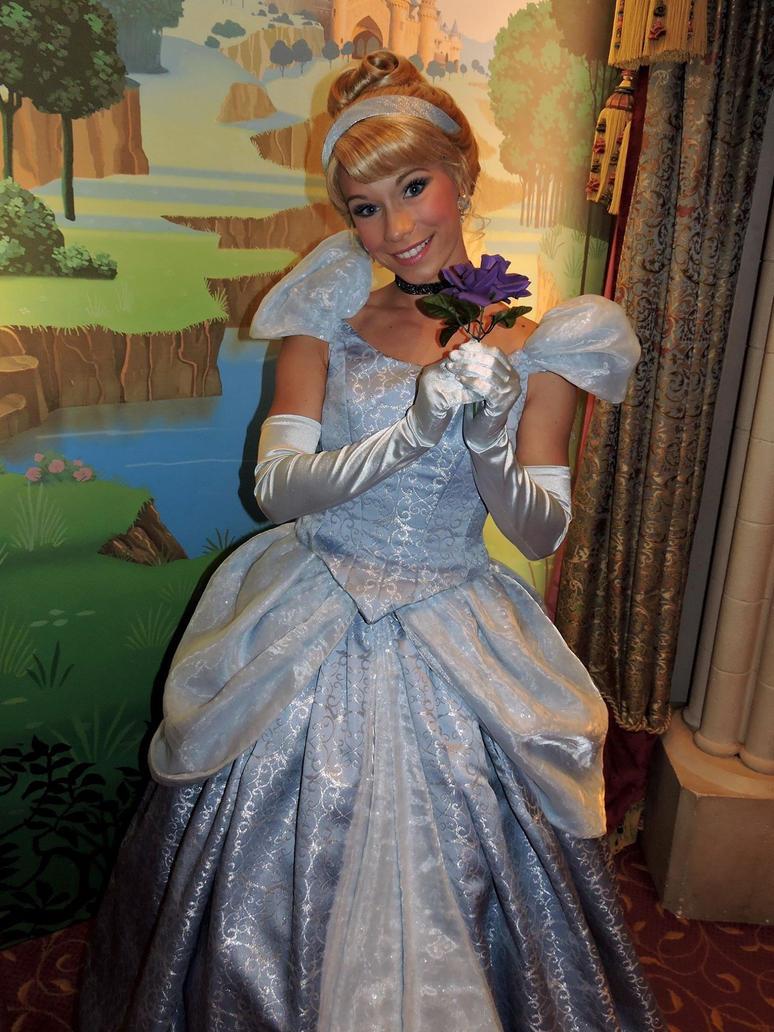 Cinderella Disneyland Paris by bellesprince